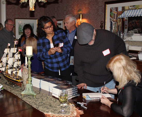 Signing Table
